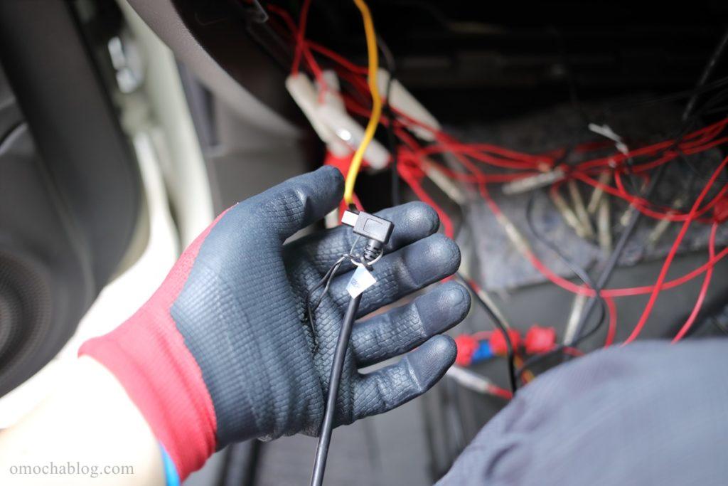 ドラレコGoSafe S70GS1配線ガイドで配線を通す