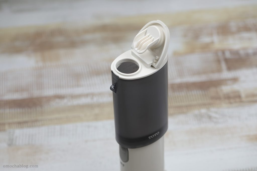 TOTO携帯ウォシュレットに水を入れる